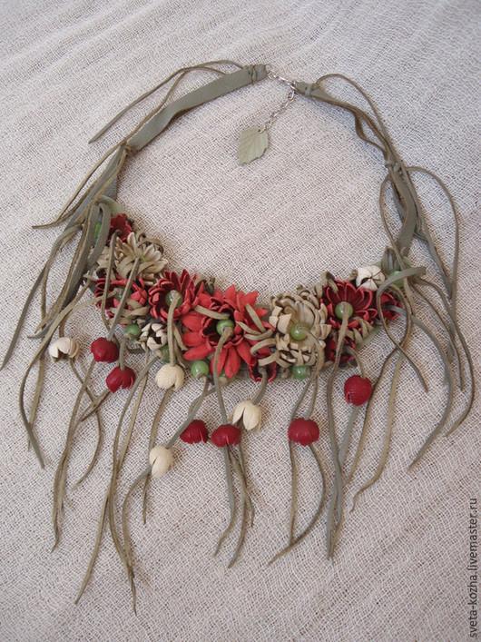 Колье, бусы ручной работы. Ярмарка Мастеров - ручная работа. Купить Ожерелье кожаное с цветами. Handmade. Разноцветный, украшение на шею