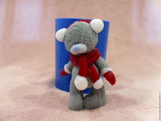 """Другие виды рукоделия ручной работы. Ярмарка Мастеров - ручная работа. Купить Силиконовая форма для мыла """"Мишка Тедди в наушниках и шарфике"""". Handmade."""
