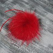 Аксессуары ручной работы. Ярмарка Мастеров - ручная работа Помпон из меха енота, красный. Handmade.