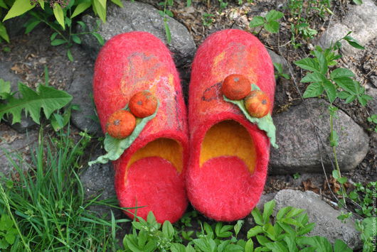 Обувь ручной работы. Ярмарка Мастеров - ручная работа. Купить Тапочки валяные Райские яблочки. Handmade. Тапки валяные