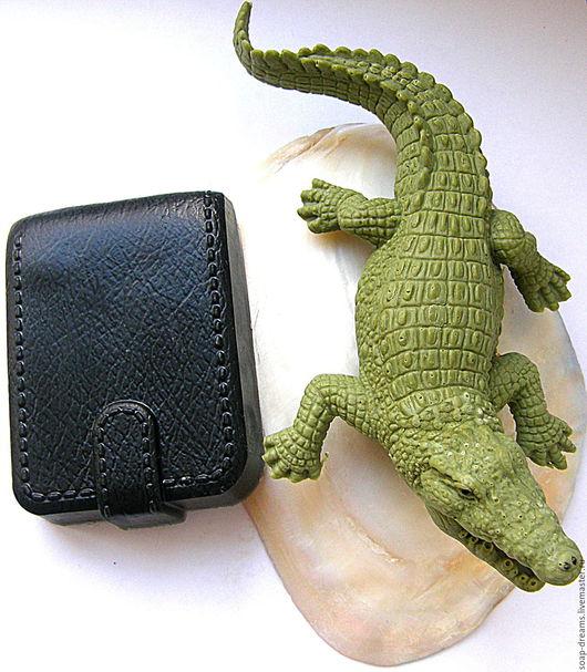 """Мыло ручной работы. Ярмарка Мастеров - ручная работа. Купить VIP """"Крокодил 18 см и портмоне""""Мыло мужское 3D Эксклюзивное мыло.. Handmade."""