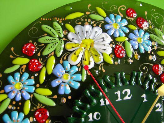 Часы для дома ручной работы. Ярмарка Мастеров - ручная работа. Купить часы из стекла, фьюзинг  На солнечной поляночке. Handmade.