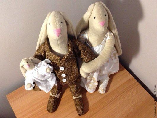 Куклы Тильды ручной работы. Ярмарка Мастеров - ручная работа. Купить Семья кроликов Хрумиков. Handmade. Бежевый, зайки, семейка