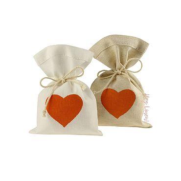 Свадебный салон ручной работы. Ярмарка Мастеров - ручная работа 10х15см. 10шт. Мешочки льняные с оранжевым сердцем. Handmade.