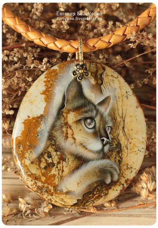 """Кулоны, подвески ручной работы. Ярмарка Мастеров - ручная работа. Купить Кулон с росписью """"Убаюкиватель деревьев"""" (кот, лаковая миниатюра). Handmade."""