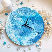 Часы классические ручной работы. Ярмарка Мастеров - ручная работа Часы настенные голубые в технике Fluid art. Handmade.