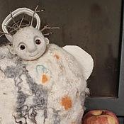 """Для дома и интерьера ручной работы. Ярмарка Мастеров - ручная работа войлочная грелка на чайник """"Снежный ангел """". Handmade."""