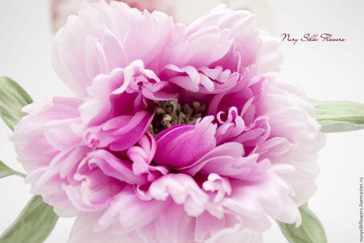 """Броши ручной работы. Ярмарка Мастеров - ручная работа. Купить Пион из шелка """"Вдохновение-2"""". Handmade. Фуксия, брошь-цветок"""