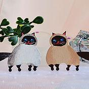 Сувениры и подарки ручной работы. Ярмарка Мастеров - ручная работа Магниты сиамские кошки из серии Пухлый котик. Handmade.