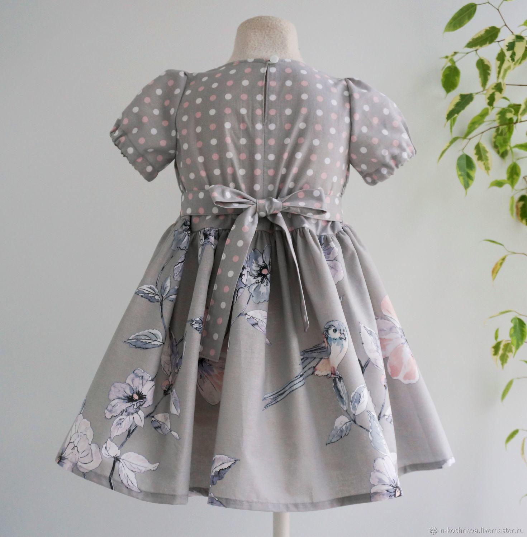 Детское платье в горошек с цветами серое летнее платье