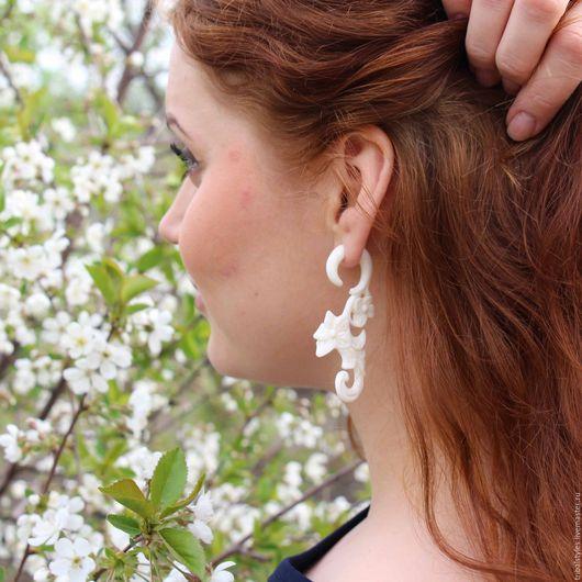 """Серьги ручной работы. Ярмарка Мастеров - ручная работа. Купить Серьги обманки """" Цветы """"(б). Handmade. Белый"""