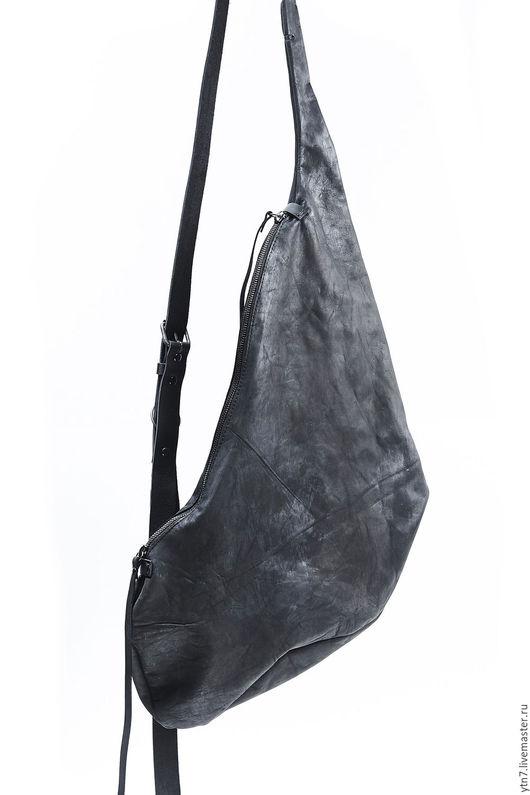 Мужские сумки ручной работы. Ярмарка Мастеров - ручная работа. Купить кожаная сумка арт.006M-black. Handmade.