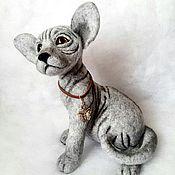 Куклы и игрушки ручной работы. Ярмарка Мастеров - ручная работа валяная игрушка кошечка сфинкс. Handmade.