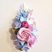 Украшения ручной работы. Ярмарка Мастеров - ручная работа Брошь с цветами из полимерной глины гортензия и розы. Handmade.