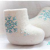 """Работы для детей, ручной работы. Ярмарка Мастеров - ручная работа Валеночки """"Жемчужные снежинки"""". Handmade."""