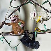 """Для дома и интерьера ручной работы. Ярмарка Мастеров - ручная работа Интерьерная подвеска """"Очки и мартышки"""". Handmade."""
