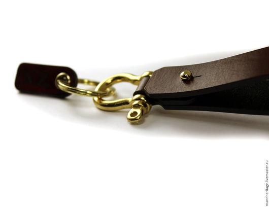 Брелоки ручной работы. Ярмарка Мастеров - ручная работа. Купить Кожаный брелок SHACKLE - коричневый. Handmade. Натуральная кожа