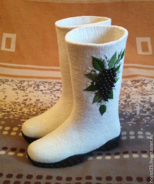 """Обувь ручной работы. Ярмарка Мастеров - ручная работа. Купить Валяные сапожки """"Изабелла"""". Handmade. Белый, ботинки валяные"""