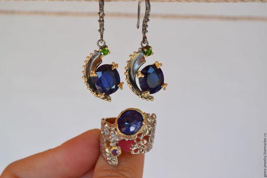Кольца ручной работы. Ярмарка Мастеров - ручная работа. Купить Необычное кольцо с натуральным сапфиром в золоте и серебре. Handmade.
