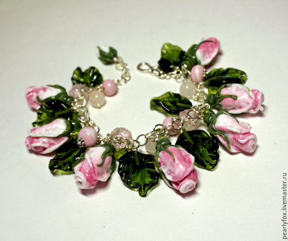 Браслет лэмпворк Утренние розы ручной работы
