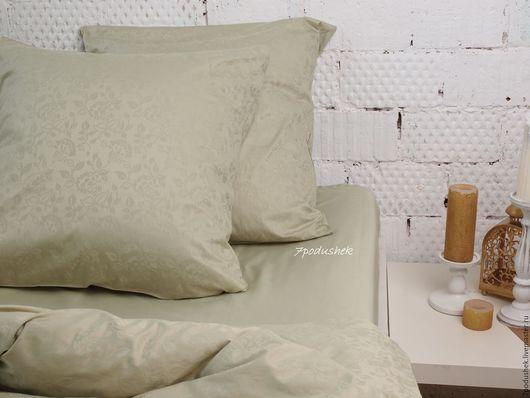 Постельное белье сатин жаккард с нежным цветочным орнаментом