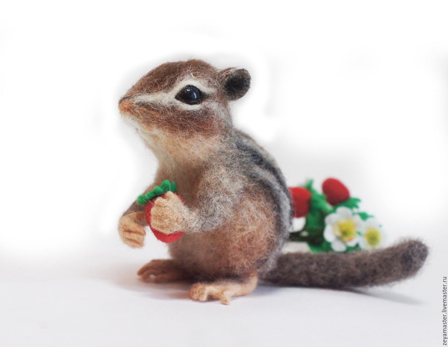 Chipmunk Temko and strawberry Interior felted toy, Felted Toy, Zeya,  Фото №1