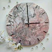 Часы классические ручной работы. Ярмарка Мастеров - ручная работа Часы настенные в технике Fluid art. Handmade.