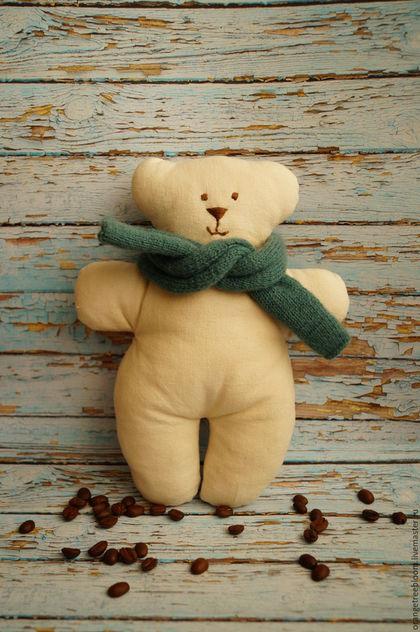 `Миша и его друг шарфик`. Мишка из хлопка. Бежевый медведь. Ручная работа.