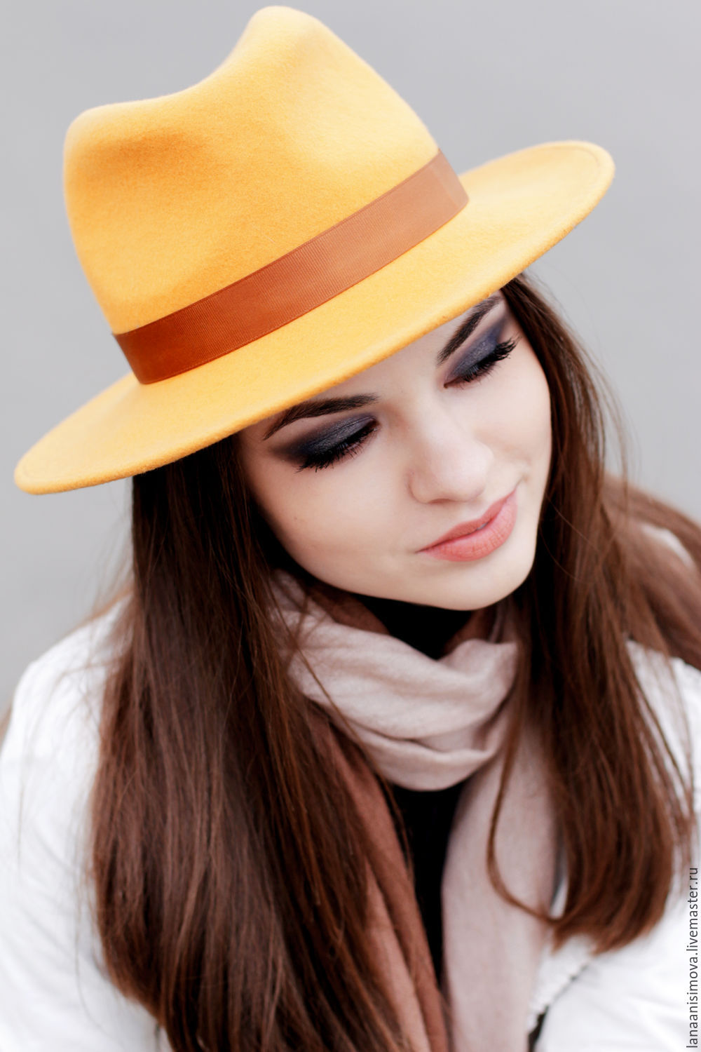 76314e5b8b821 Fedora hat with a flat brim. Color mustard – shop online on ...