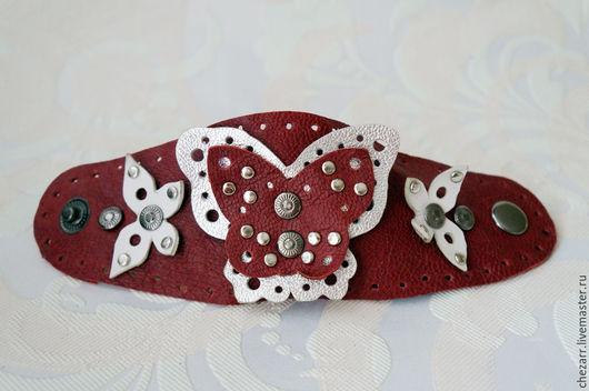 Браслеты ручной работы. Ярмарка Мастеров - ручная работа. Купить Кожаный браслет с бабочками. Handmade. Бордовый, браслет кожаный