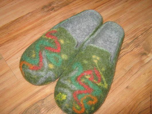 """Обувь ручной работы. Ярмарка Мастеров - ручная работа. Купить Тапочки из шерсти """"Праздник"""". Handmade. Комбинированный, тапки домашние, подарок"""