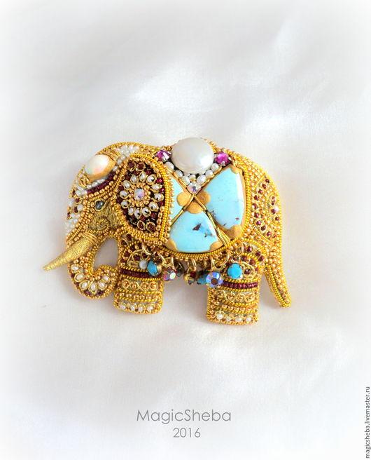 Броши ручной работы. Ярмарка Мастеров - ручная работа. Купить Брошь Индийский Слон талисман, вышивка золотом. Handmade. Золотой