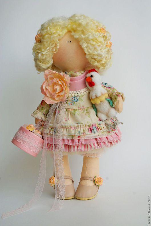 Новый год 2017 ручной работы. Ярмарка Мастеров - ручная работа. Купить Кукла с петушком. Символ 2017года. Петушок. Handmade. Бежевый