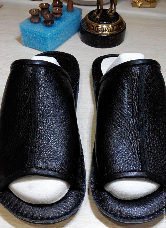 Обувь ручной работы. Ярмарка Мастеров - ручная работа. Купить Тапочки домашние кожаные. Handmade. Тапки домашние, мужские тапочки