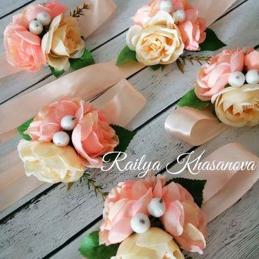Свадебный салон ручной работы. Ярмарка Мастеров - ручная работа Браслеты для подружек невесты в цвете айвори - персик. Handmade.