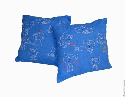 """Текстиль, ковры ручной работы. Ярмарка Мастеров - ручная работа. Купить Подушки с вышивкой """"Котята"""". Handmade. Синий, подушка на диван"""
