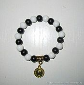 Украшения handmade. Livemaster - original item Bracelet with white agate and black agate with amulet on Finance,money. Handmade.