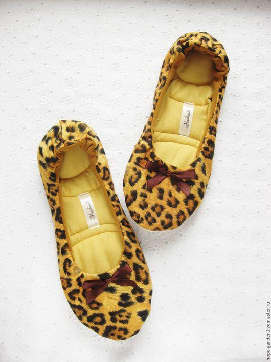 """Обувь ручной работы. Ярмарка Мастеров - ручная работа. Купить Тапочки """"Сафари"""" 40. Handmade. Желтый, леопард, тапочки домашние"""