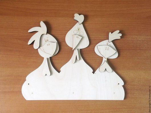 Вешалка `Петушки` (продается в разобранном виде) Размер: 35х30 см Материал: фанера 6 мм