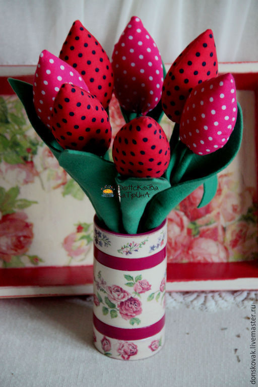 """Персональные подарки ручной работы. Ярмарка Мастеров - ручная работа. Купить Ваза с цветами """"Тюльпаны"""". Handmade. Тюльпаны, цветы"""