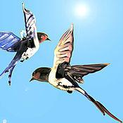 Для дома и интерьера ручной работы. Ярмарка Мастеров - ручная работа Интерьерное подвесное украшение из цветного стекла птица Ласточка. Handmade.