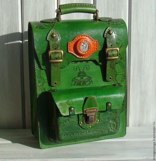 Мужские сумки ручной работы. Ярмарка Мастеров - ручная работа. Купить Мужская кожаная сумка Green.. Handmade. Зеленый, спилок