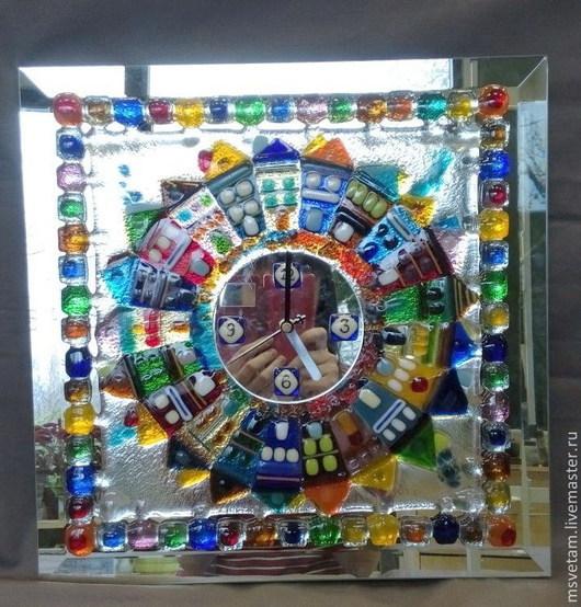 """Часы для дома ручной работы. Ярмарка Мастеров - ручная работа. Купить Часы """"Городок"""" .Фьюзинг.. Handmade. Фьюзинг, интерьер, стекло"""