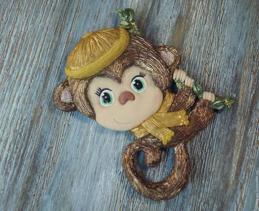 Миниатюра ручной работы. Ярмарка Мастеров - ручная работа. Купить Магнит из полимерной глины - Озорная обезьянка. Handmade. Коричневый