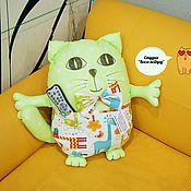 """Куклы и игрушки ручной работы. Ярмарка Мастеров - ручная работа Подушка кот """"Хранитель пульта"""".. Handmade."""
