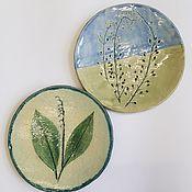 Тарелки ручной работы. Ярмарка Мастеров - ручная работа Тарелки керамические с отпечатками растений. Handmade.