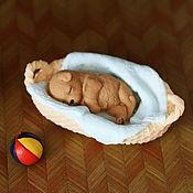Корзины ручной работы. Ярмарка Мастеров - ручная работа Щенок в корзинке из мыла. Handmade.