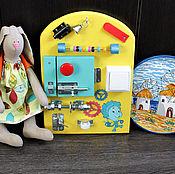 Куклы и игрушки ручной работы. Ярмарка Мастеров - ручная работа Мини бизиборд №4. Handmade.