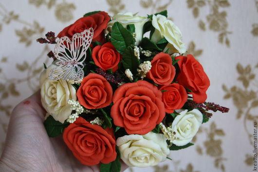 """Интерьерные композиции ручной работы. Ярмарка Мастеров - ручная работа. Купить Цветочная композиция из полимерной глины """"Розы для любимой мамы"""". Handmade."""
