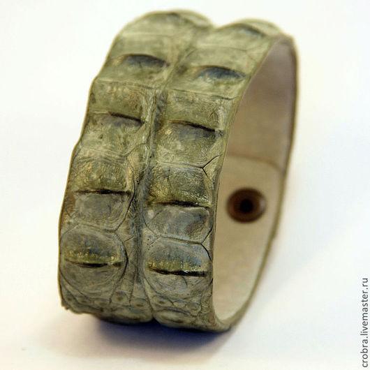 Браслеты ручной работы. Ярмарка Мастеров - ручная работа. Купить Крокодиловый браслет. Handmade. Оливковый, кожа крокодила, подарок на новый год